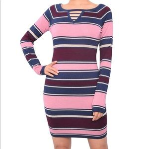 🌺NWT🌺 Juniors Keyhole Bodycon Sweater Dress